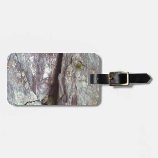 wall of rock travel bag tags