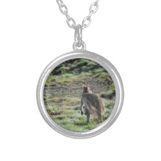 WALLABY RURAL QUEENSLAND AUSTRALIA ROUND PENDANT NECKLACE
