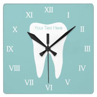 Wallclock de la oficina del dentista con el reloj cuadrado