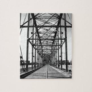 WALNUT STREET BRIDGE - CHATTANOOGA, TN JIGSAW PUZZLES