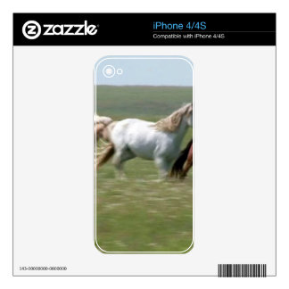 Wandering herd of American MUSTANG Horses Decal For The iPhone 4