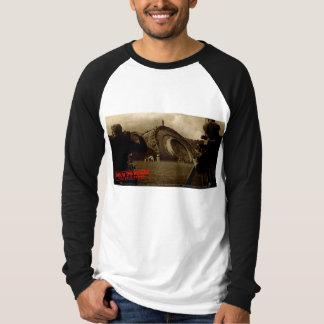 War of the Worlds T-Shirt Martian Cylinder Pit