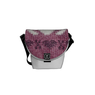 Warm sweater pink courier bag