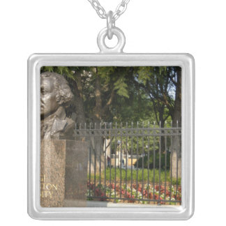 Washington, DC, statue of George Washington, The Silver Plated Necklace