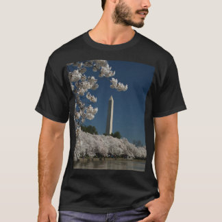 Washington monument in cherry blossoms T-Shirt