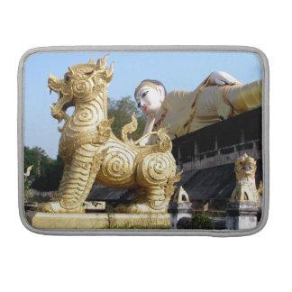 Wat Phrathatsutonmongkonkiree MacBook Pro Sleeve