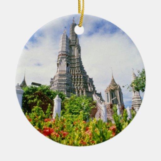 Wat rojo Arun, Bangkok, Tailandia florece Ornamente De Reyes