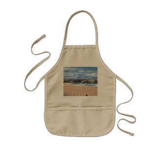 Watching the beach kids' apron