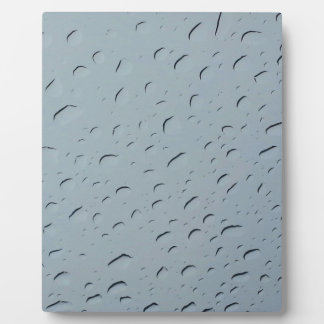 Water droplets plaque