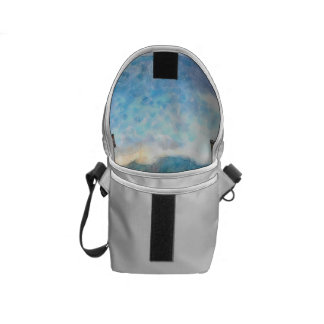 Water level in an aquarium courier bag