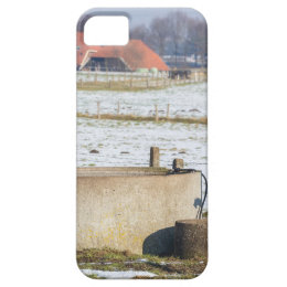 Water pump and well in winter snow landscape iPhone SE/5/5s case