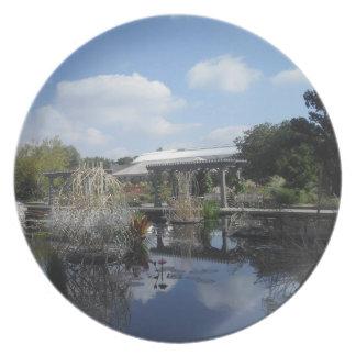 Water Sculpture Garden Plate