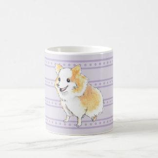 Watercolour que se sienta de Pomeranian en púrpura Taza Clásica
