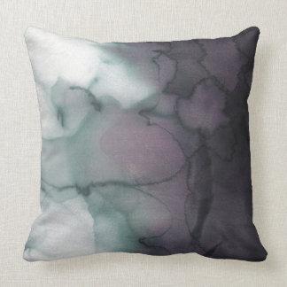 Waterdrop Fade Throw Pillow
