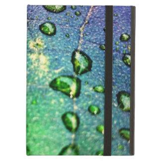Waterdrops colorido en la hoja