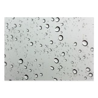 Waterdrops en el fondo de cristal tarjetas de visita