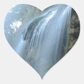 waterfall-2259 pegatina en forma de corazón