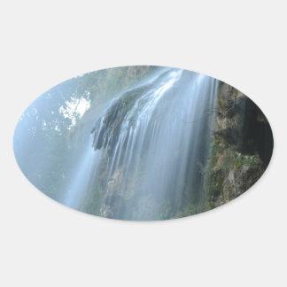 waterfall-2259 pegatina ovalada
