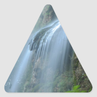 waterfall-2259 pegatina triangular
