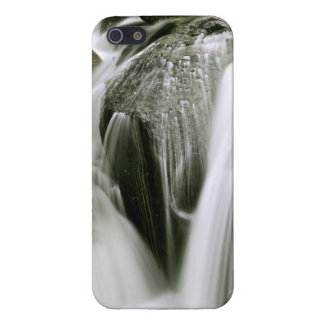 WATERFALL DETAIL IN SEPIA COVER FOR iPhone SE/5/5s