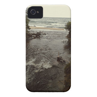 Waterfall in the beach iPhone 4 case