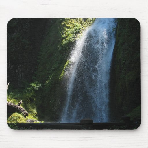 Waterfall Near Columbia River Mouse Pad