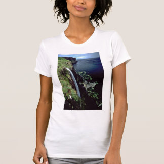 Waterfall over the cliffs of the Isle of Skye, Sco T-Shirt