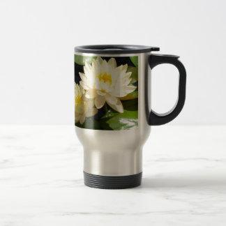 waterlilies amarillos taza de viaje