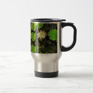Waterlilies en el verano taza de viaje