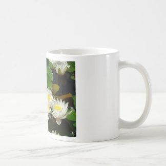 waterlilies y hojas taza de café
