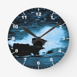 Wave Round Clock