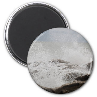 Waves breaking on rocks magnet