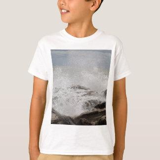 Waves breaking on rocks T-Shirt