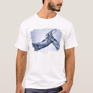 Waves collide T-Shirt