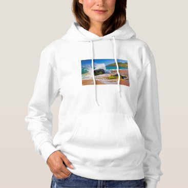 Beach Themed Waves crash on the beach, Hawaii Hoodie