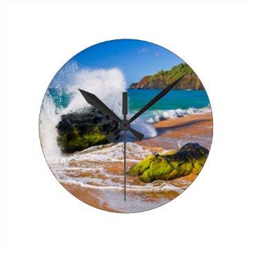 Beach Themed Waves crash on the beach, Hawaii Round Clock