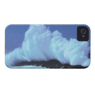 waves crashing against rocks Case-Mate iPhone 4 cases
