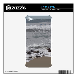 Waves Crashing on to the Beach Skins For iPhone 4