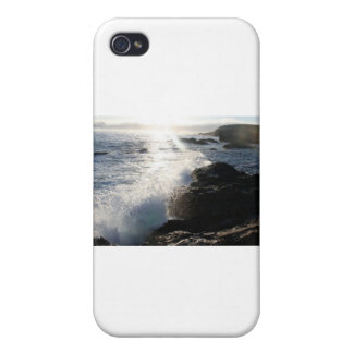 Waves on rocks cases for iPhone 4