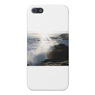 Waves on rocks iPhone 5 cover