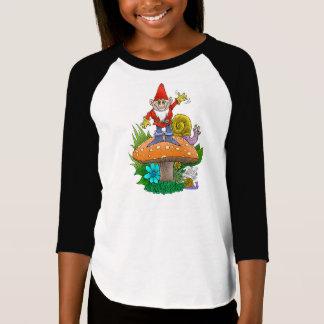 Waving garden gnomes tea break. T-Shirt