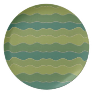 Wavy Lines Green Plate