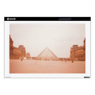 "Wavy Louvre 17"" Laptop Decal"