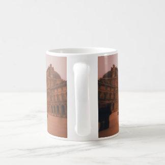 Wavy Louvre Mug