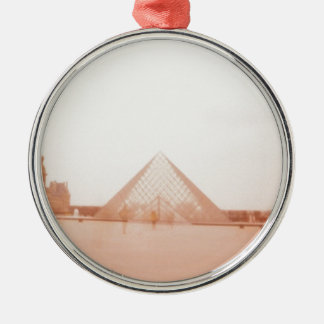 Wavy Louvre Ornament