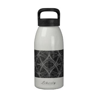 Web blanco y negro botella de agua