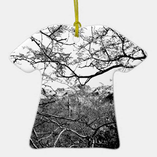 Web de ramas adorno de cerámica en forma de playera