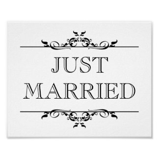Wedding photo prop sign Just Married open scroll