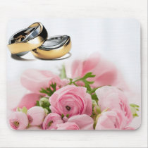 Wedding rings and pink roses composition design mouse pad