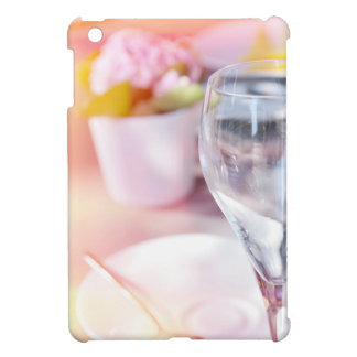Wedding table case for the iPad mini